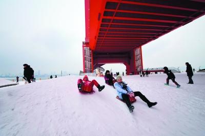 重现武汉百年亮点 寻找长江主轴经典照 摄影大赛获奖名单