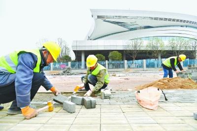 军运会筹备建设马力全开 长江日报多路记者春节探访最前线